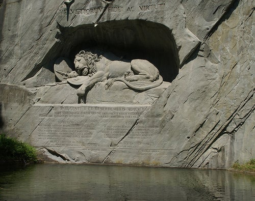 monumento al leon ciudad de lucerna