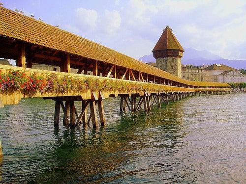 puente de madera de la ciudad de lucerna