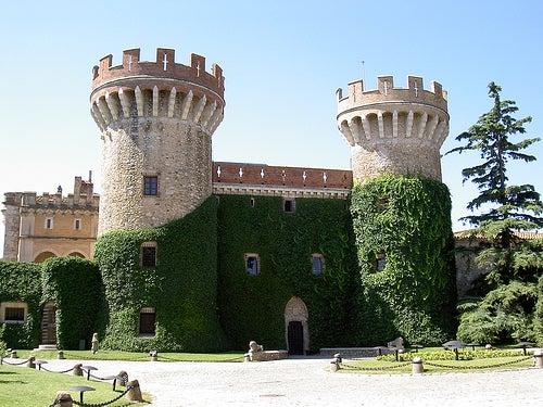 comarca del ampurdan castillo peralada