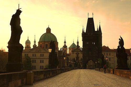 El Puente de Carlos en Praga, el lugar más visitado de la ciudad
