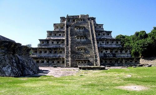 piramide de tajin veracruz en mexico
