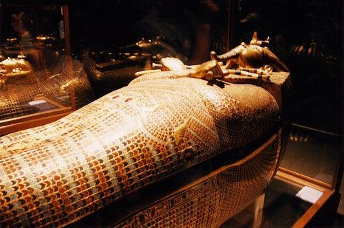 sarcofago tutankamon el museo egipcio de el cairo