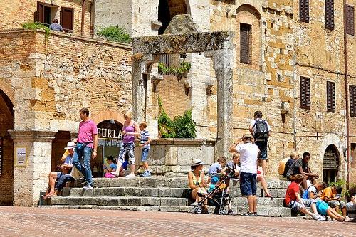 turismo en san gimignano en italia