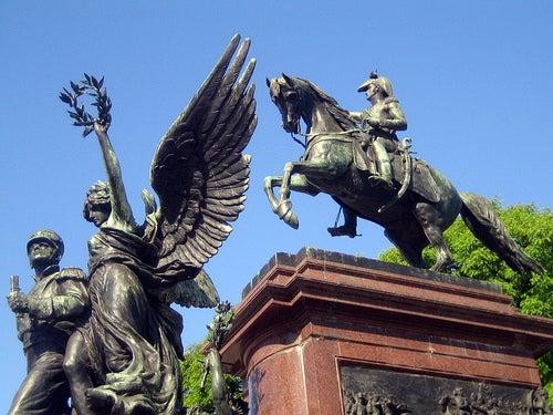 monumento plaza san martin