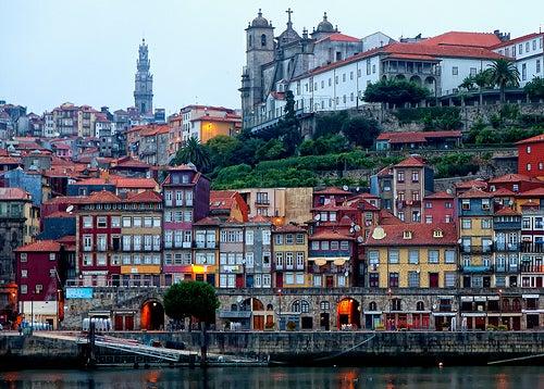 Un paseo por los bonitos barrios de Oporto