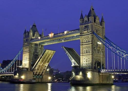 el puente de la torre