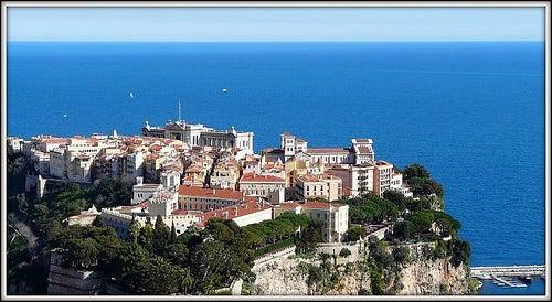 El palacio Grimaldi en Mónaco, símbolo de lujo y glamour