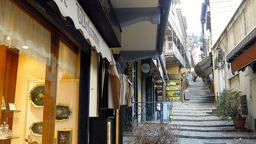 calle de bellagio en italia