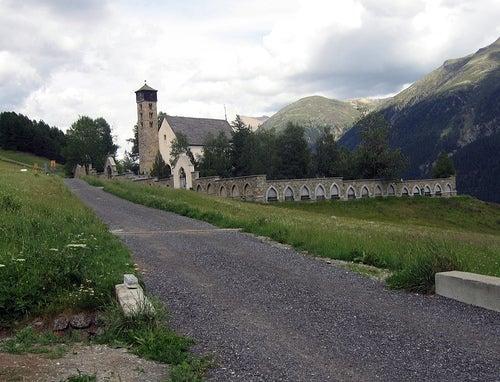 iglesia de san pedro samedan