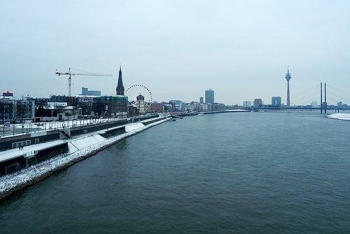 Conozcamos la ciudad cosmopolita de Dusseldorf en Alemania
