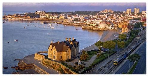 La ciudad de Cascais en la costa de Portugal, el encanto de unas playas maravillosas