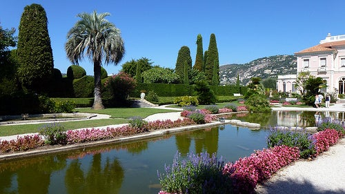 Los encantadores jardines de Villa Ephrussi en la Costa Azul de Francia
