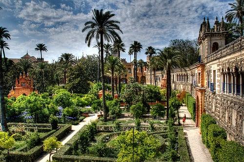 Los majestuosos jardines de los reales alc zares de sevilla - Jardines verticales sevilla ...