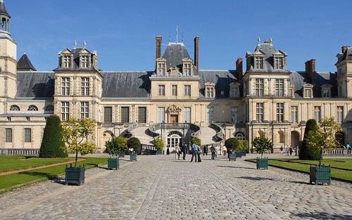 El palacio renacentista de Fontainebleau, el más grande de Francia