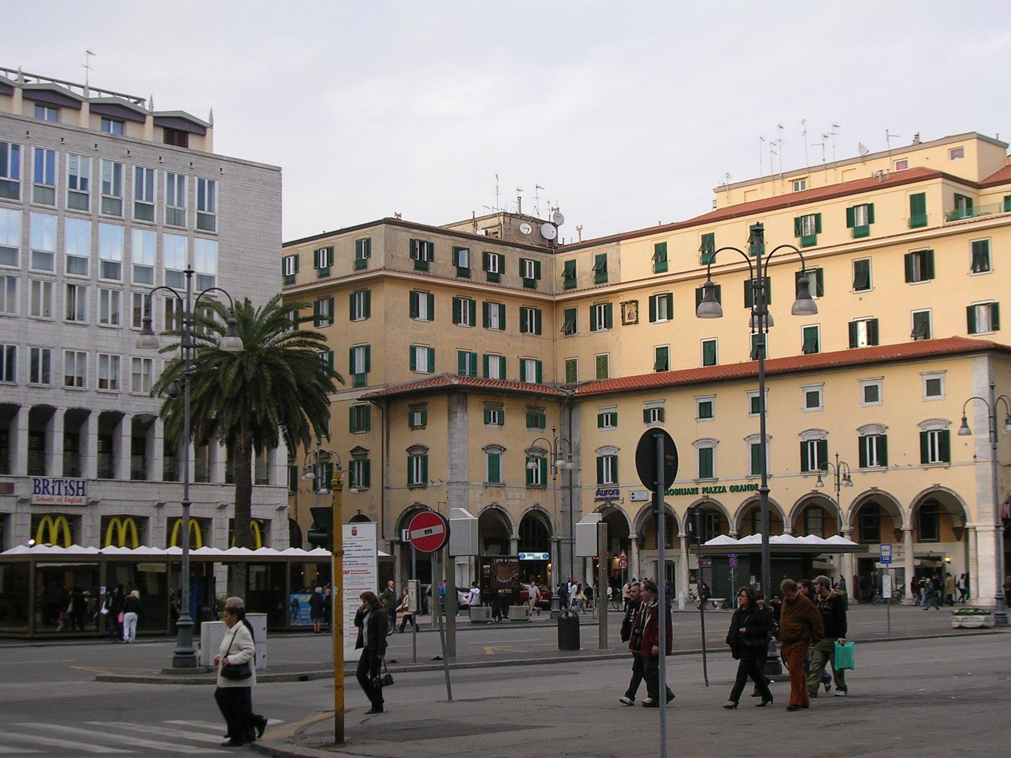 plaza grande livorno