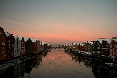 Trondheim en Noruega, una bella ciudad entre las aguas