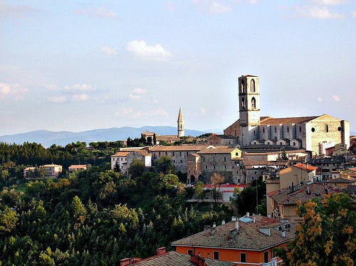 La bella ciudad de Perugia en Italia, un monumento vivo de la historia