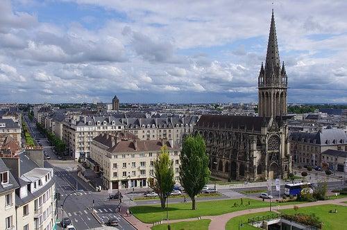 La exquisita ciudad de Caen en Francia