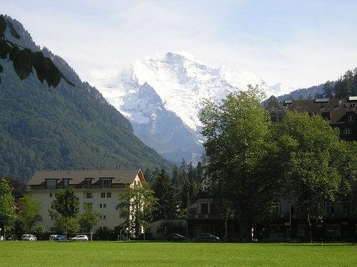 ¿Quieres disfrutar de verdad de un lugar de ensueño? Visita con nosotros la ciudad de Interlaken en Suiza