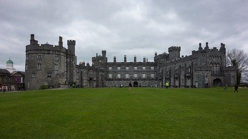 Conozcamos el hermoso castillo Kilkenny en Irlanda