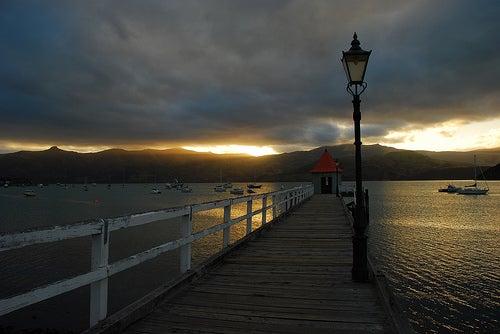 Disfrutando de los hermosos paisajes de Akaroa en Nueva Zelanda