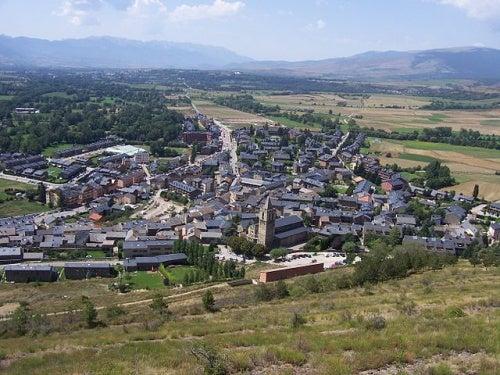 La curiosa localidad de Llivia, un enclave español rodeado de territorio francés