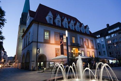 Das Theater am Altenmarkt / Abendstimmung