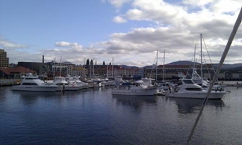 Hobart 4