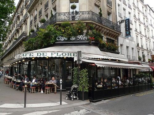 Visita con nosotros los cafés más románticos e históricos de París