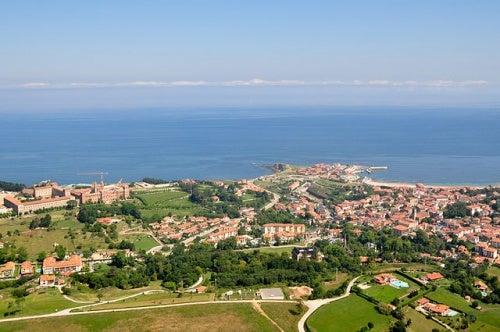 Comillas en Cantabria, naturaleza, mar y arte en su máxima expresión