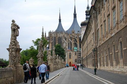 Un poco de la ciudad de de Kutná Hora y sus iglesias en República Checa