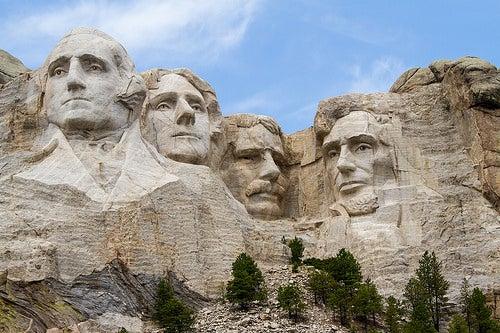 El interesante monumento del Monte Rushmore en Estados Unidos