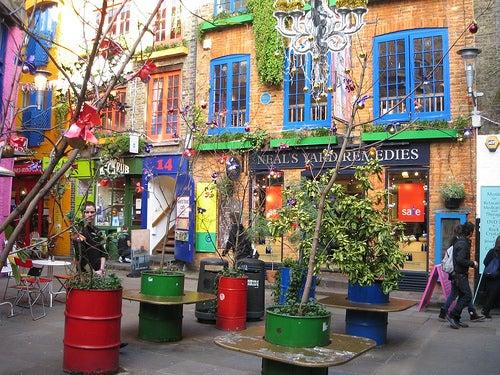 """Un rincón secreto en Londres, """"La calle de los colores"""", oNeal's Yard"""