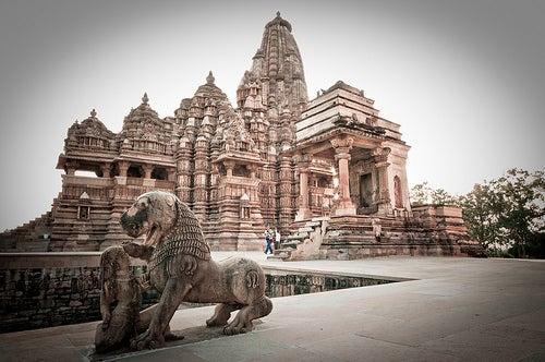 Khajuraho y sus templos hinduistas, todo un Patrimonio de la Humanidad en la India