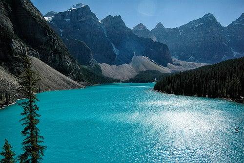 Los indescriptibles paisajes del Lago Moraine en Canadá