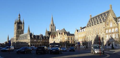 Conozcamos la hermosa ciudad de Ypres en Bélgica