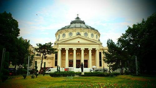 El hermoso Ateneo Rumano, un monumento de Bucarest