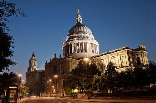 La hermosa Catedral de San Pablo en Londres