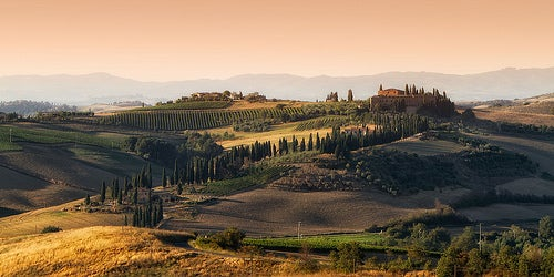 San Quirico d´Orcia en Italia y su enigmática colina de cipreses