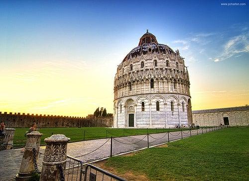 El monumental Baptisterio de Pisa, el más grande de toda Italia