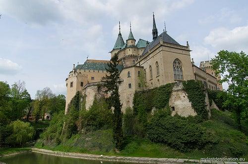 Conozcamos el hermoso castillo Bojnice en Eslovaquia