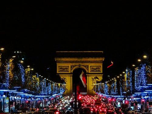 Descubre las ciudades más bellas y llenas de color en Navidad