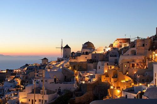Oia en Grecia, la ciudad con las puestas de sol más hermosas