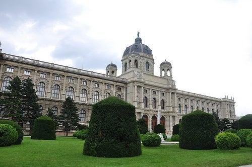 Disfrutemos del espectacular Palacio Imperial de Hofburg en Viena