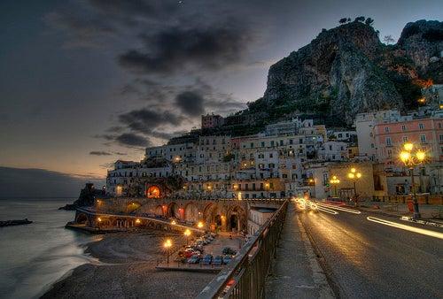 Atrani, uno de los lugares más bellos de la Costa Amalfitana