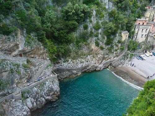 Furore y su espectacular fiordo en plena Costa Amalfitana