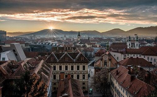 No te puedes perder el  espectacular centro urbano de la localidad de Graz