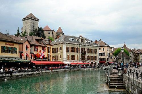 Disfrutando de la belleza y el esplendor de Annecy en Francia