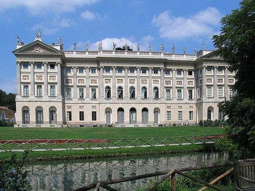 Recorre el jardín de la Villa Belgiojoso Bonaparte en Milán