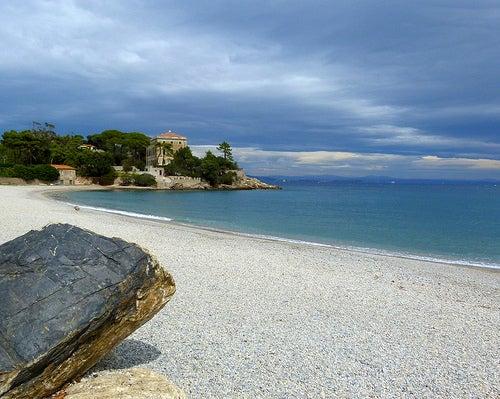 playa en la isla de elba